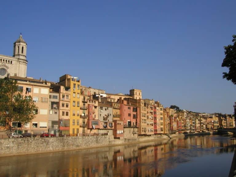 La vieille ville de Gerona, au fil de l'eau.