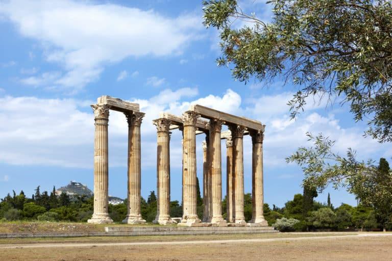 Les ruines du temple de Zeus, à Athènes.