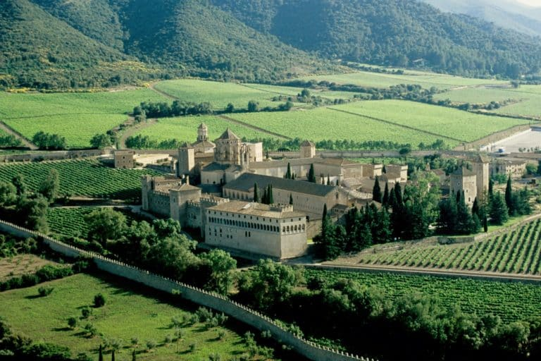 Vue aérienne de l'Abbaye cistercienne de Poblet.
