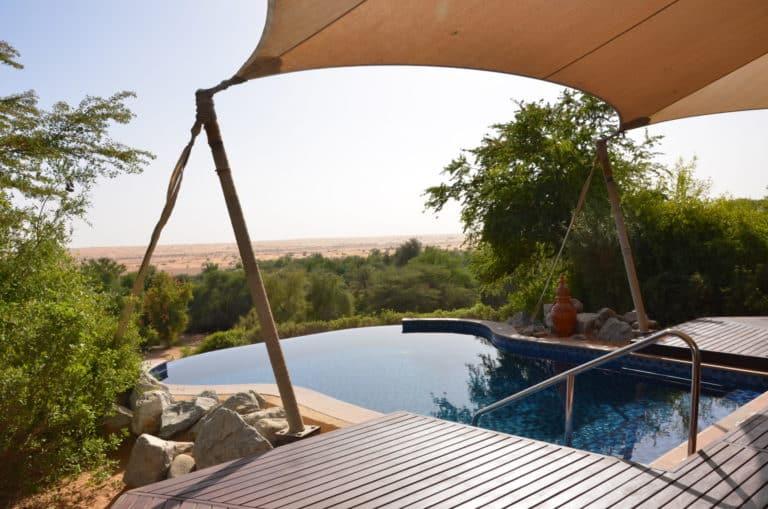 À Dubai, à l'hôtel Al Maha, chaque suite dispose d'une piscine à débordement qui donne sur le désert.
