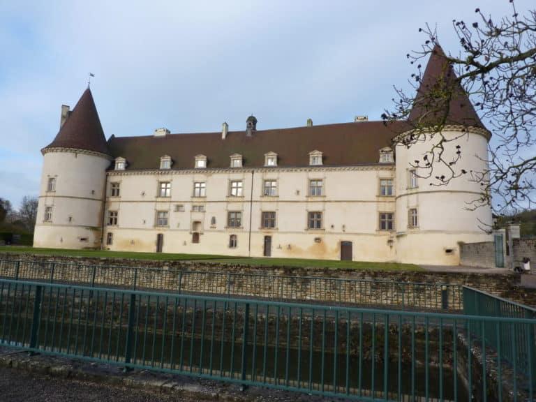Une bonne adresse, à mi chemin entre Paris et Genève, le Château de Chailly.