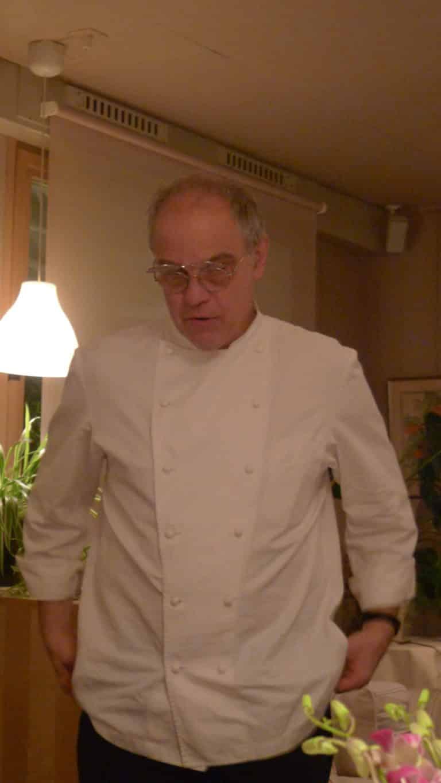 la Colombière vous appartient,le temps d'un déjeuner ou d'une soirée. Bernard Lonati, chef étoilé Michelin, seul en cuisine, compose et prépare votre Menu. Chantal, son épouse est oenologue et s'occupe de la salle